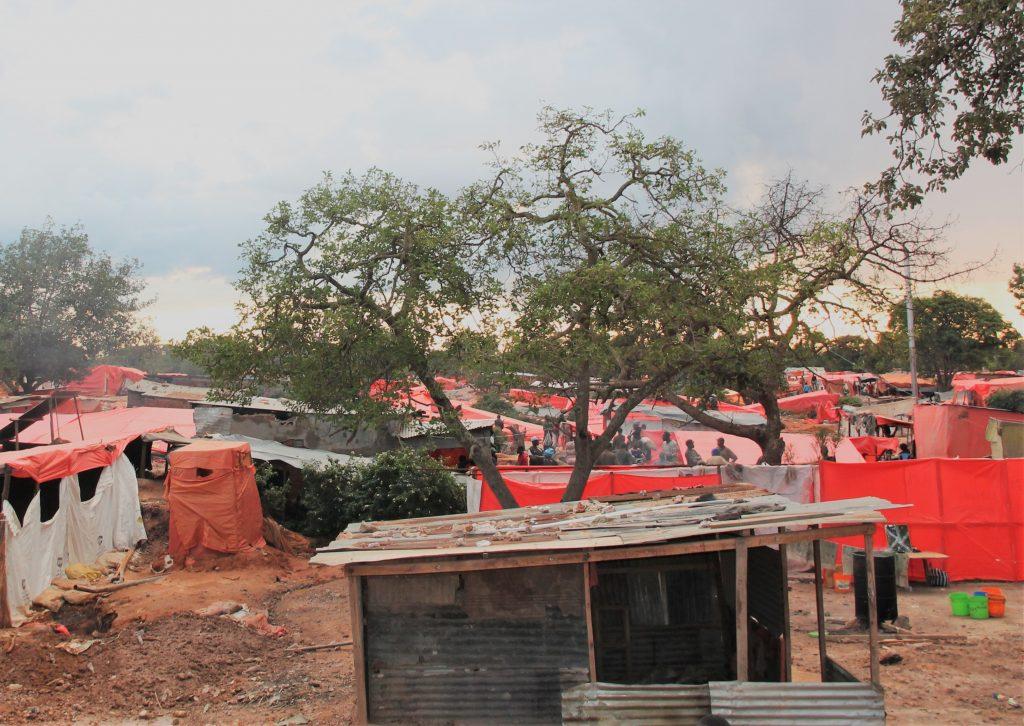 l'image actuelle du Quartier Kasulo transformé en carrière de mine artisanale à Kolwezi