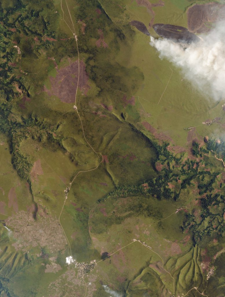 Burning grasslands near Kikwit, Democratic Republic of Congo. Image captured on March 3, 2016. Image ©2016 Planet Labs, Inc. cc-by-sa 4.0.
