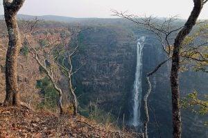 Les chutes de Lofoï dans le bassin de la Lufira à l'est de la RDC